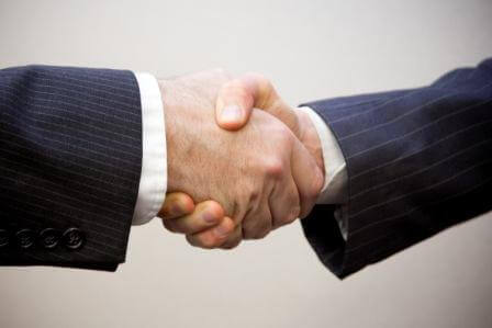 ידיים לוחצות ניב תרגומים תרגום עסקי